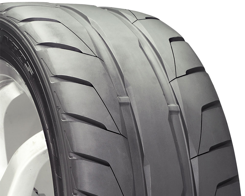 Nitto NT05 Tires 275/35/18 99Z Blk - DT-40526